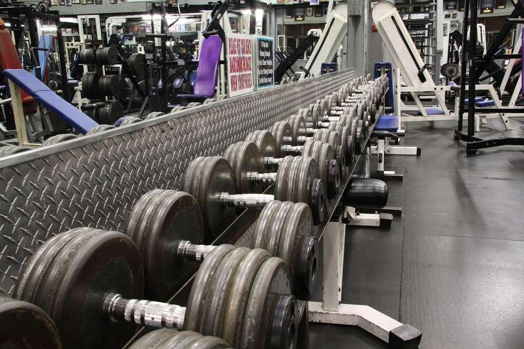 USA Gym INC - gym  | Photo 1 of 10 | Address: 7621 W 100th Pl, Bridgeview, IL 60455, USA | Phone: (708) 598-3846