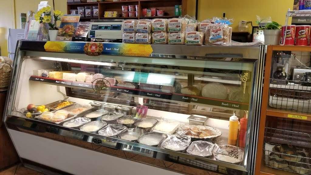 Bagel Bob - bakery  | Photo 5 of 10 | Address: 2114 Flatbush Ave, Brooklyn, NY 11234, USA | Phone: (718) 252-4800