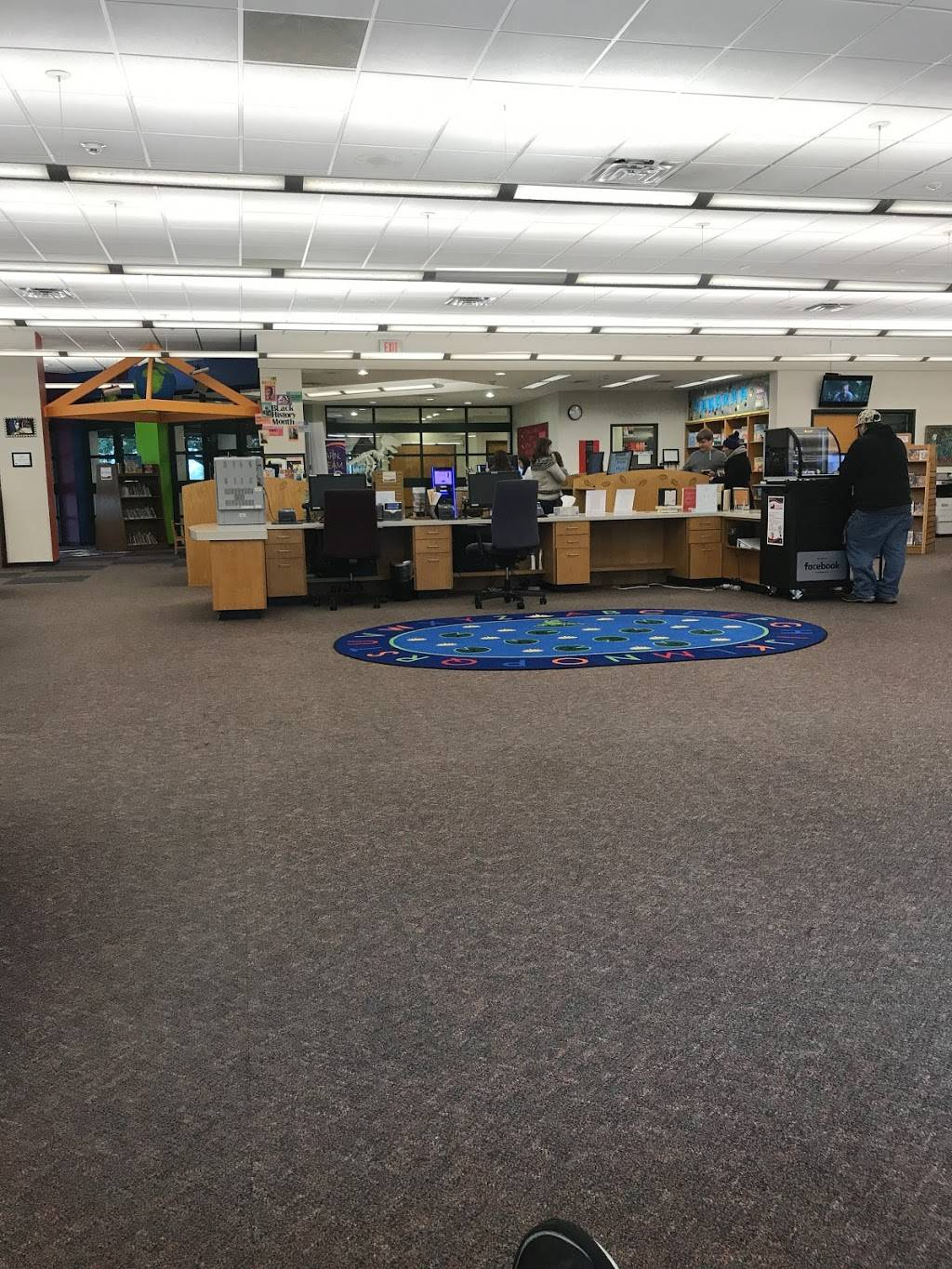 Fort Worth Public Library - Summerglen - library  | Photo 5 of 9 | Address: 4205 Basswood Blvd, Fort Worth, TX 76137, USA | Phone: (817) 392-5970
