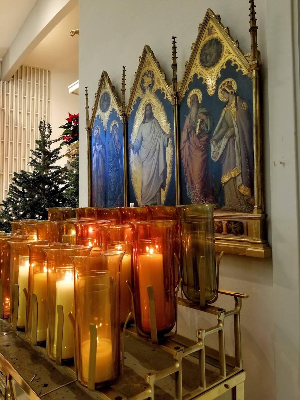 St. Monica Catholic Church - church  | Photo 5 of 8 | Address: 4311 88th Ave SE, Mercer Island, WA 98040, USA | Phone: (206) 232-2900