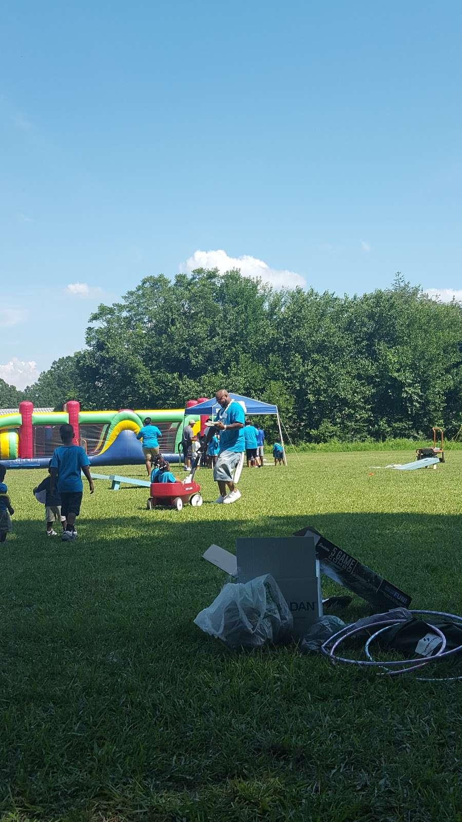 Jefferson Field - park  | Photo 1 of 10 | Address: 17 Spruce St, York, SC 29745, USA | Phone: (803) 684-3742
