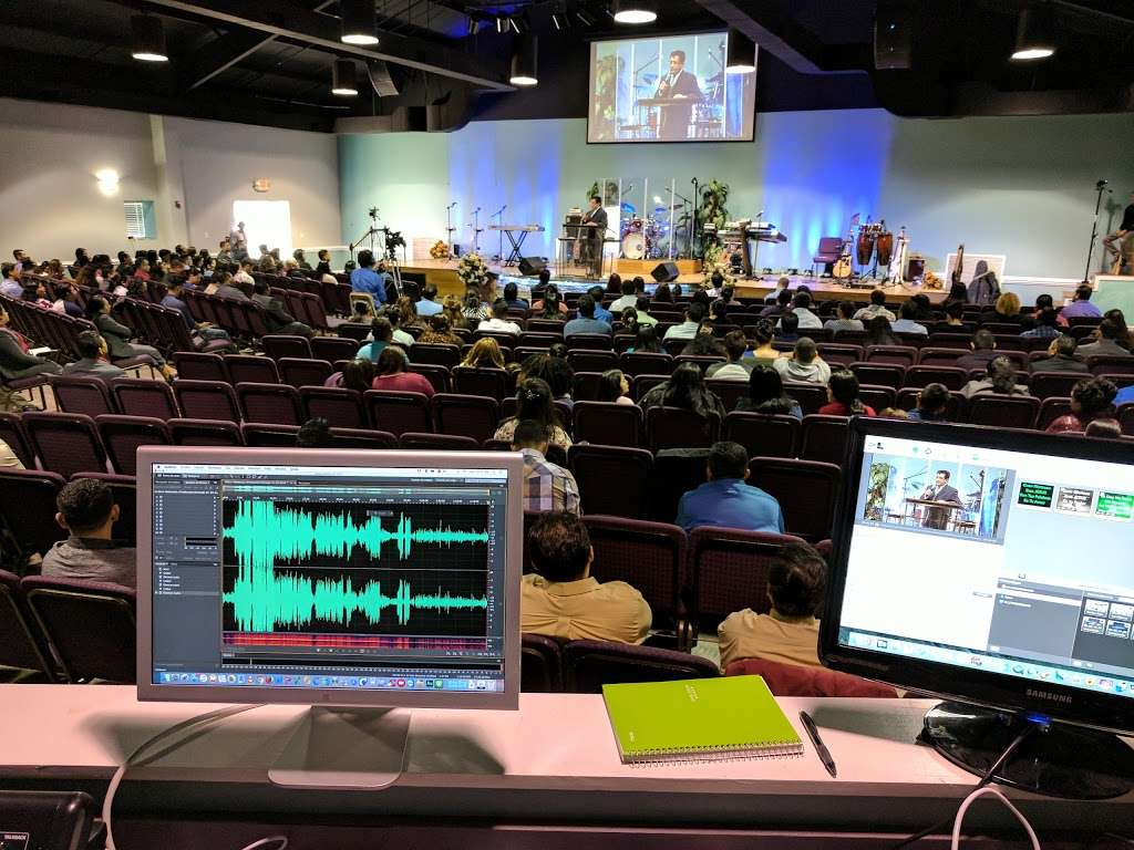 Iglesia El Siloe - church  | Photo 10 of 10 | Address: 5420 Kimmerly Glen Ln, Charlotte, NC 28215, USA | Phone: (704) 502-4444