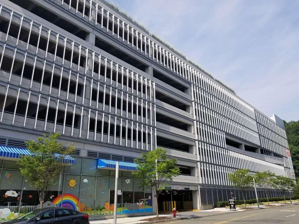 SP+ Parking - parking  | Photo 4 of 5 | Address: 165 Port Imperial Blvd, Weehawken, NJ 07086, USA | Phone: (800) 836-6666