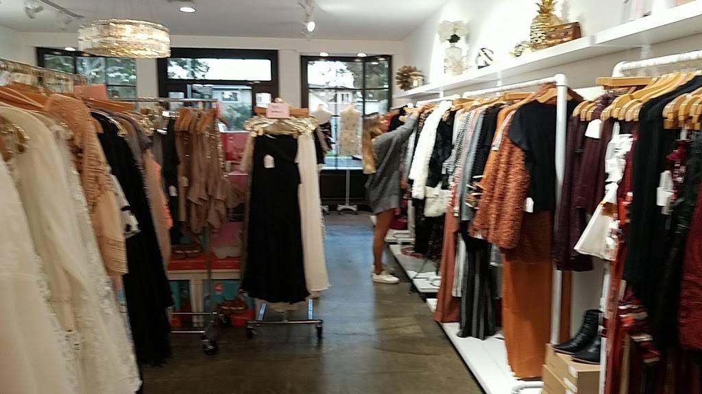 Love Lola - clothing store  | Photo 5 of 9 | Address: 1649 Westcliff Dr, Newport Beach, CA 92660, USA | Phone: (949) 873-5151