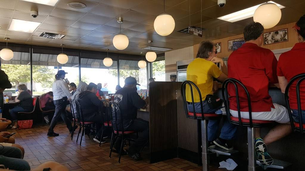 Waffle House - meal takeaway  | Photo 9 of 10 | Address: 120 W Spring Valley Rd, Richardson, TX 75081, USA | Phone: (972) 231-4802
