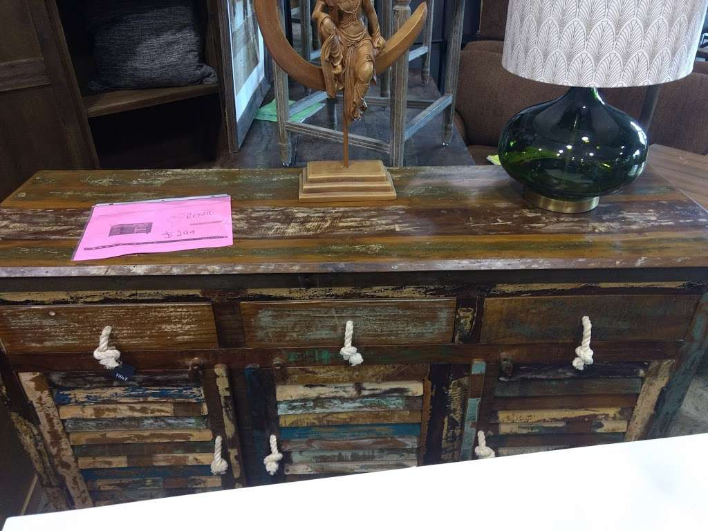 Salvage Plus - furniture store  | Photo 5 of 10 | Address: 815 Willowbrook Dr, Schererville, IN 46375, USA | Phone: (219) 515-2522