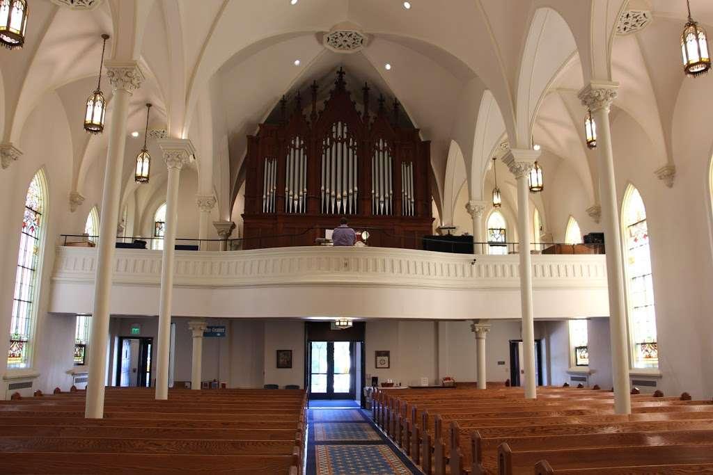 St. Lucas Lutheran Church - church  | Photo 2 of 10 | Address: 2605 S Kinnickinnic Ave, Milwaukee, WI 53207, USA | Phone: (414) 483-9122