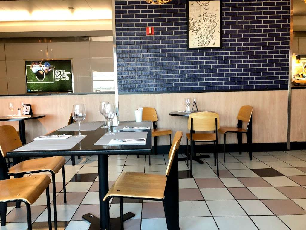 Sorrentine - restaurant  | Photo 6 of 7 | Address: LaGuardia Airport (LGA), Terminal B, East Elmhurst, NY 11371, USA | Phone: (646) 389-5394
