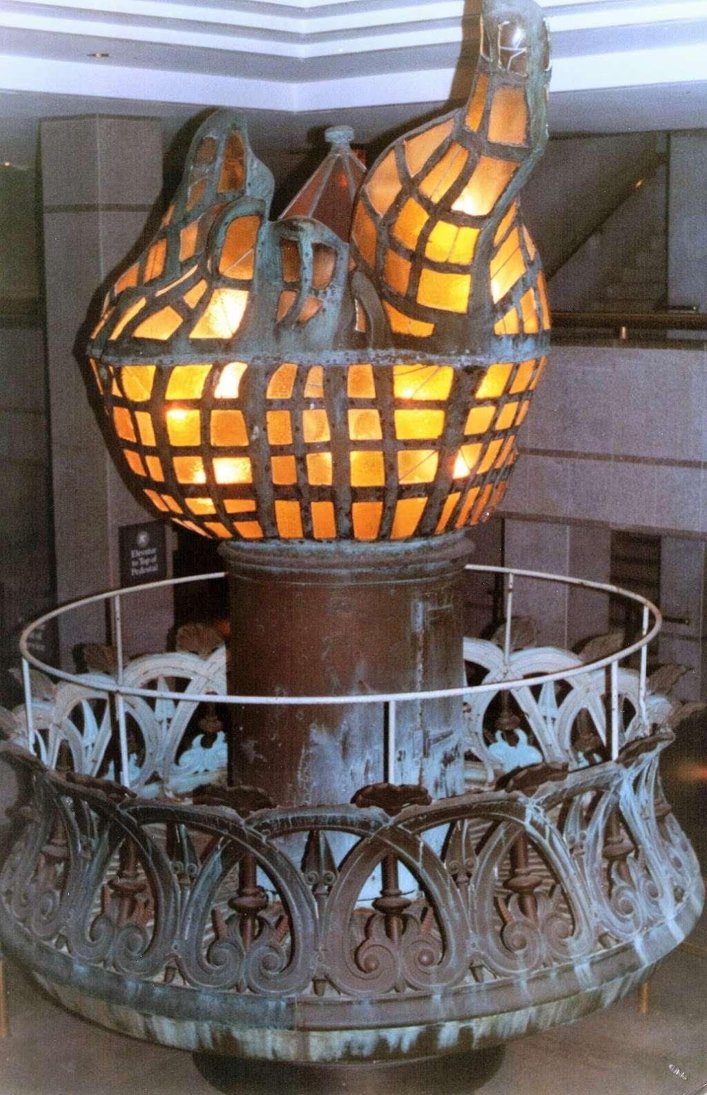 New York Estatua De La Llibertat Corona - museum  | Photo 3 of 10 | Address: Isla de la Libertad, New York, NY 10004, USA