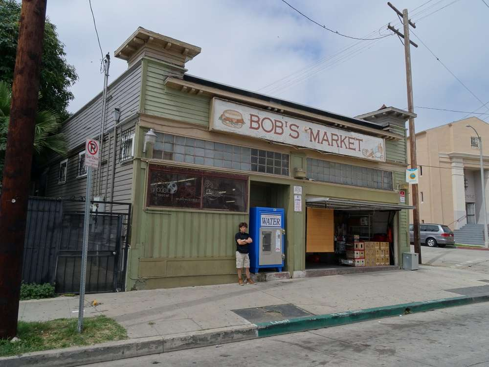 Bobs Market - convenience store  | Photo 4 of 10 | Address: 580 E Kensington Rd, Los Angeles, CA 90026, USA | Phone: (213) 250-8186