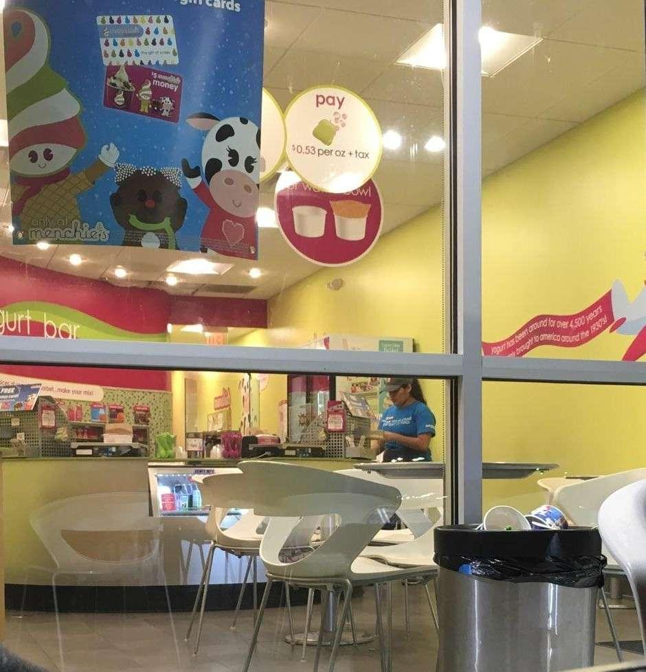 Menchies Frozen Yogurt - bakery  | Photo 6 of 10 | Address: 4533 E Sam Houston Pkwy S, Pasadena, TX 77505, USA | Phone: (281) 741-0369