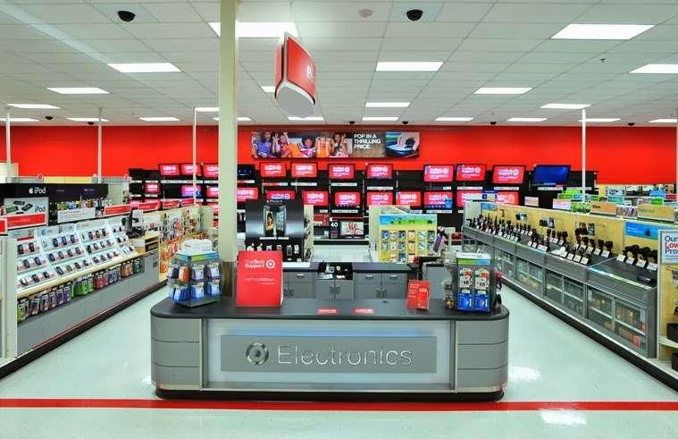 Target - department store    Photo 2 of 10   Address: 10 Crooked Run Plaza, Front Royal, VA 22630, USA   Phone: (540) 631-3290