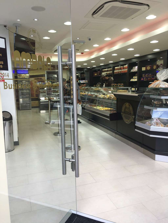 Ambala - store  | Photo 9 of 10 | Address: 201 Upper Tooting Rd, London SW17 7TG, UK | Phone: 020 8672 4867