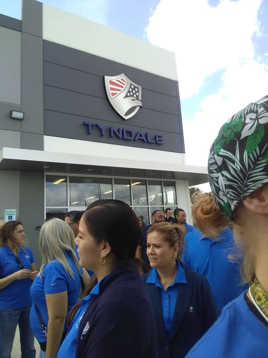 Tyndale FRC - Distribution Center & Show Room - Store
