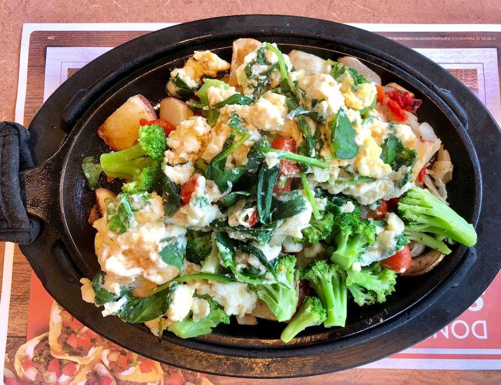 Dennys - restaurant  | Photo 5 of 10 | Address: 7207 Garth Rd, Baytown, TX 77521, USA | Phone: (281) 839-1191
