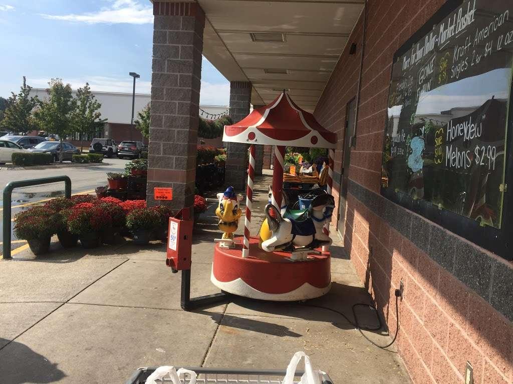 Oakdale Mall - shopping mall  | Photo 4 of 10 | Address: 1900 Main St, Tewksbury, MA 01876, USA | Phone: (978) 851-6856