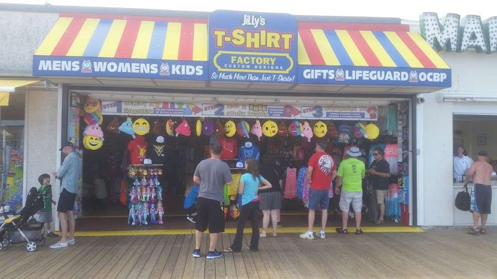 Jillys T-Shirt Factory, LLC - clothing store  | Photo 4 of 10 | Address: 762 Boardwalk, Ocean City, NJ 08226, USA | Phone: (609) 385-1234 ext. 2
