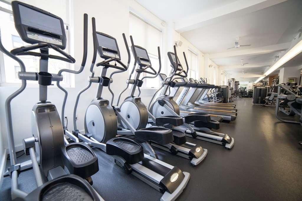 Hamilton Health & Fitness - gym  | Photo 4 of 10 | Address: 161 Erie St, Jersey City, NJ 07302, USA | Phone: (201) 714-7600
