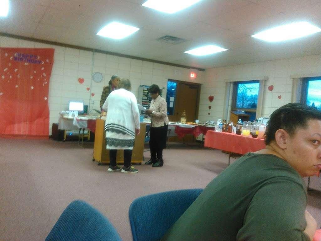 Heritage Baptist church - church  | Photo 3 of 6 | Address: 2313 17th Ave, Kenosha, WI 53140, USA | Phone: (262) 654-4665