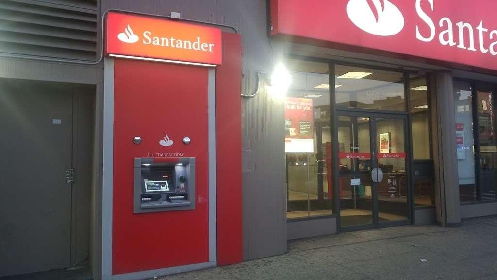 Santander Bank - bank  | Photo 5 of 10 | Address: 961 Kings Hwy, Brooklyn, NY 11223, USA | Phone: (718) 336-4713