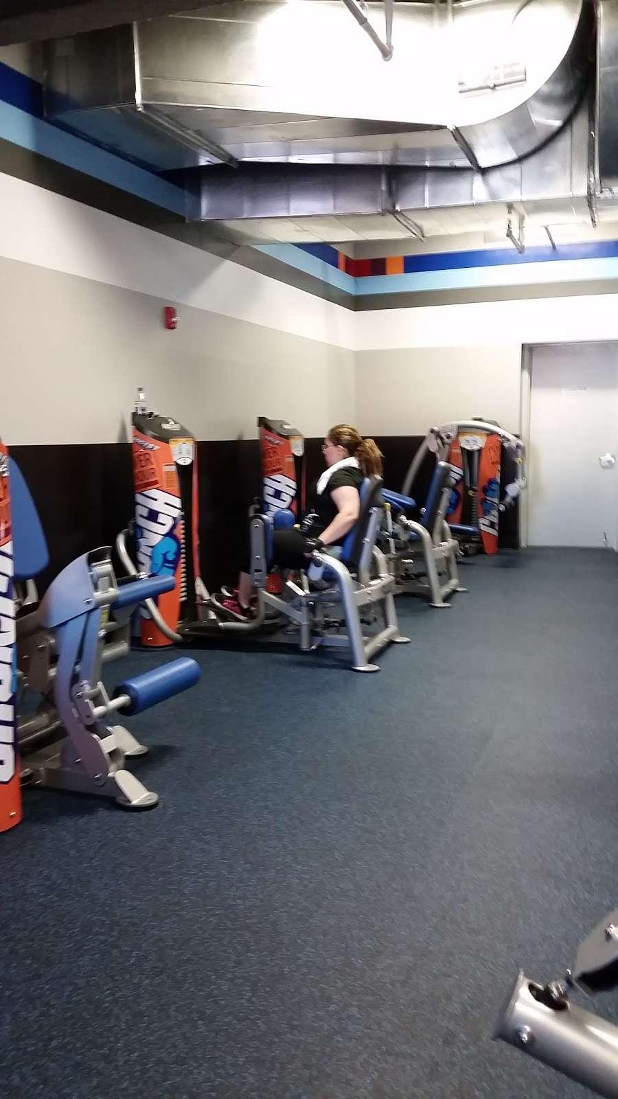 Crunch Fitness - Richmond Hill - gym  | Photo 5 of 10 | Address: 115-02 Jamaica Ave, Richmond Hill, NY 11418, USA | Phone: (646) 780-2050