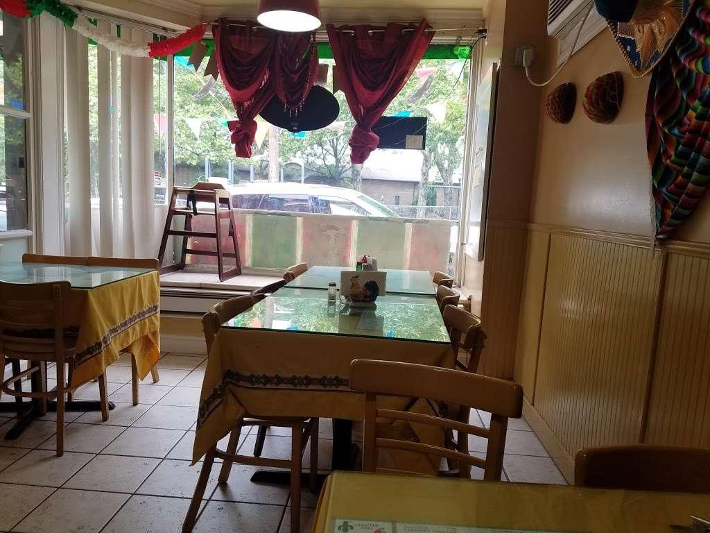 Vista Hermosa - restaurant  | Photo 3 of 10 | Address: 35 Ridgefield Ave, Ridgefield Park, NJ 07660, USA | Phone: (201) 373-9463