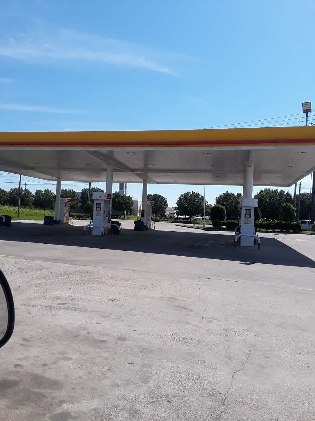 Shell - gas station  | Photo 3 of 6 | Address: 5003 N Main St, Baytown, TX 77521, USA | Phone: (281) 839-3040