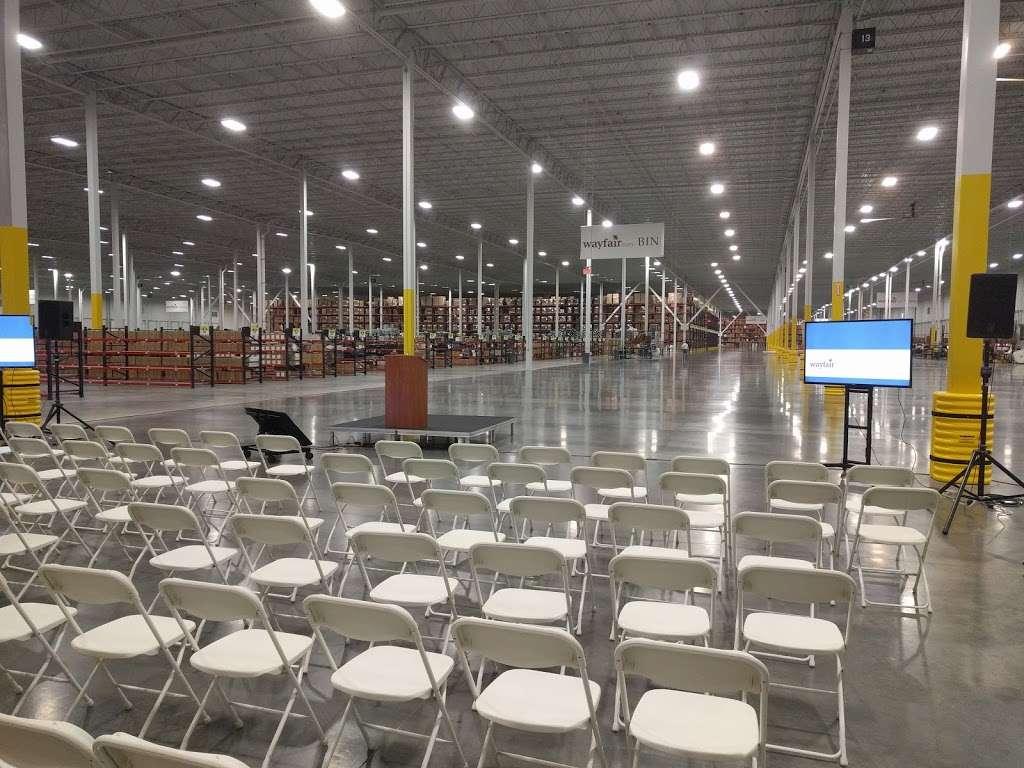 Wayfair Cranbury Warehouse - storage  | Photo 2 of 7 | Address: 46 Station Rd, Cranbury, NJ 08512, USA | Phone: (617) 532-6100