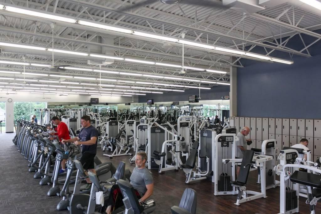Fitness 19 - spa  | Photo 1 of 8 | Address: 109 Blankenbaker Pkwy, Louisville, KY 40243, USA | Phone: (502) 244-0919
