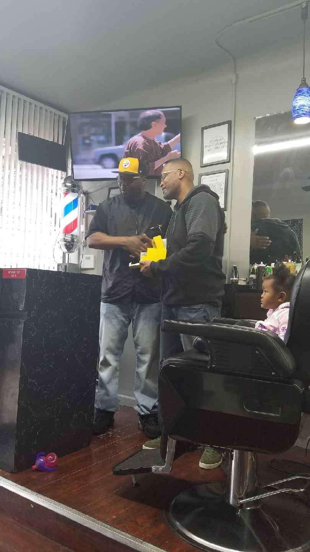 NU ATTITUDES UNISEX SALON - hair care  | Photo 9 of 10 | Address: 186 Danforth Ave, Jersey City, NJ 07305, USA | Phone: (201) 434-0977