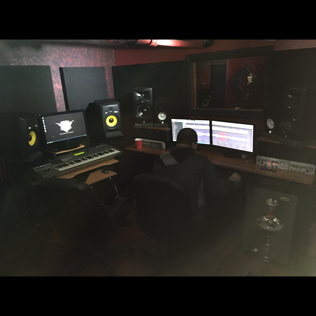 Real Wild Entertainment Studio - electronics store  | Photo 9 of 10 | Address: 1141 White Plains Rd, Bronx, NY 10472, USA | Phone: (917) 709-5215
