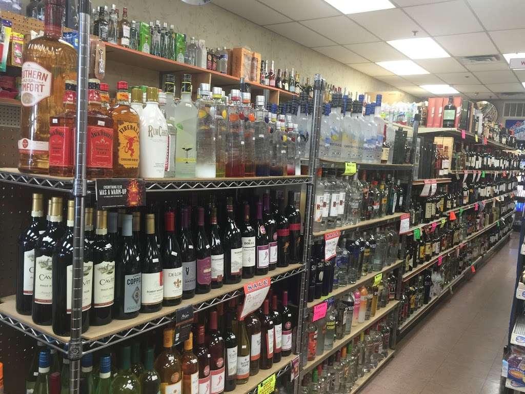 Food Mart Liquor & Convenience - convenience store  | Photo 4 of 10 | Address: 430 Market St # 10, Elmwood Park, NJ 07407, USA | Phone: (201) 791-0608