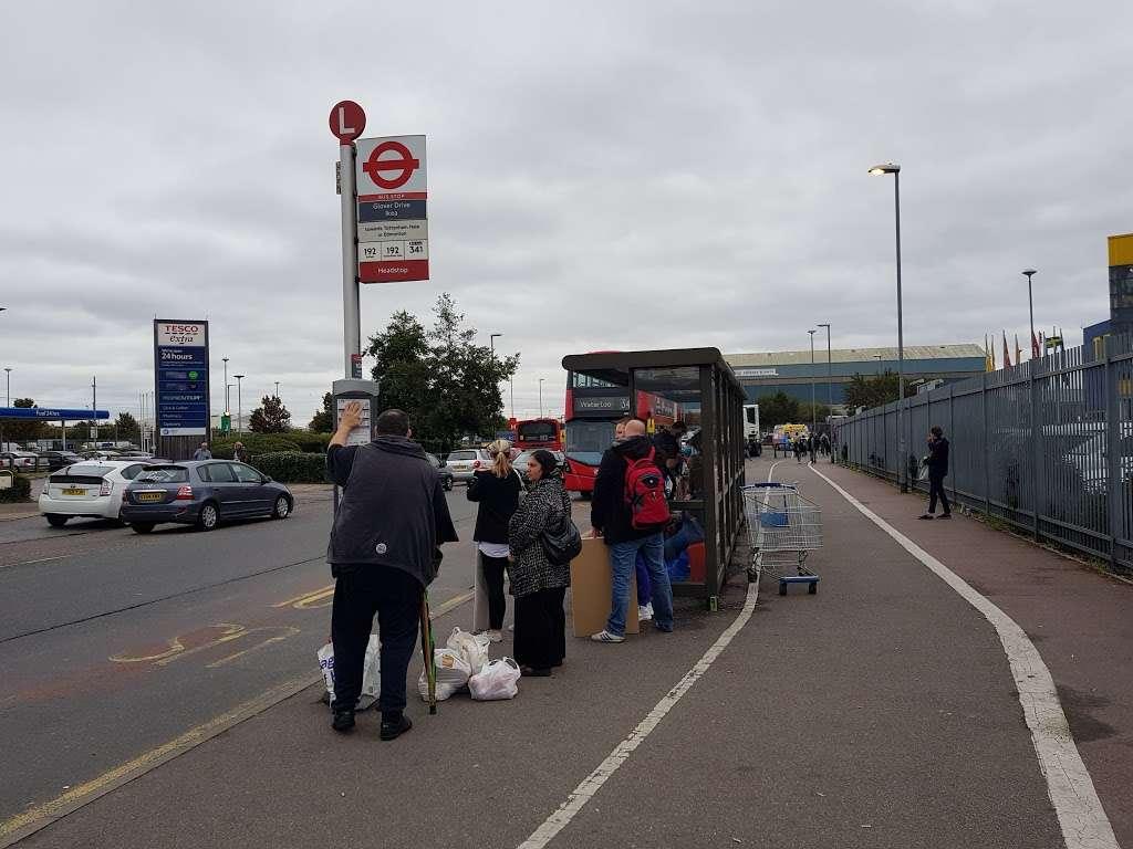 Glover Drive Ikea (Stop L) - bus station  | Photo 5 of 6 | Address: London N18 3HF, UK