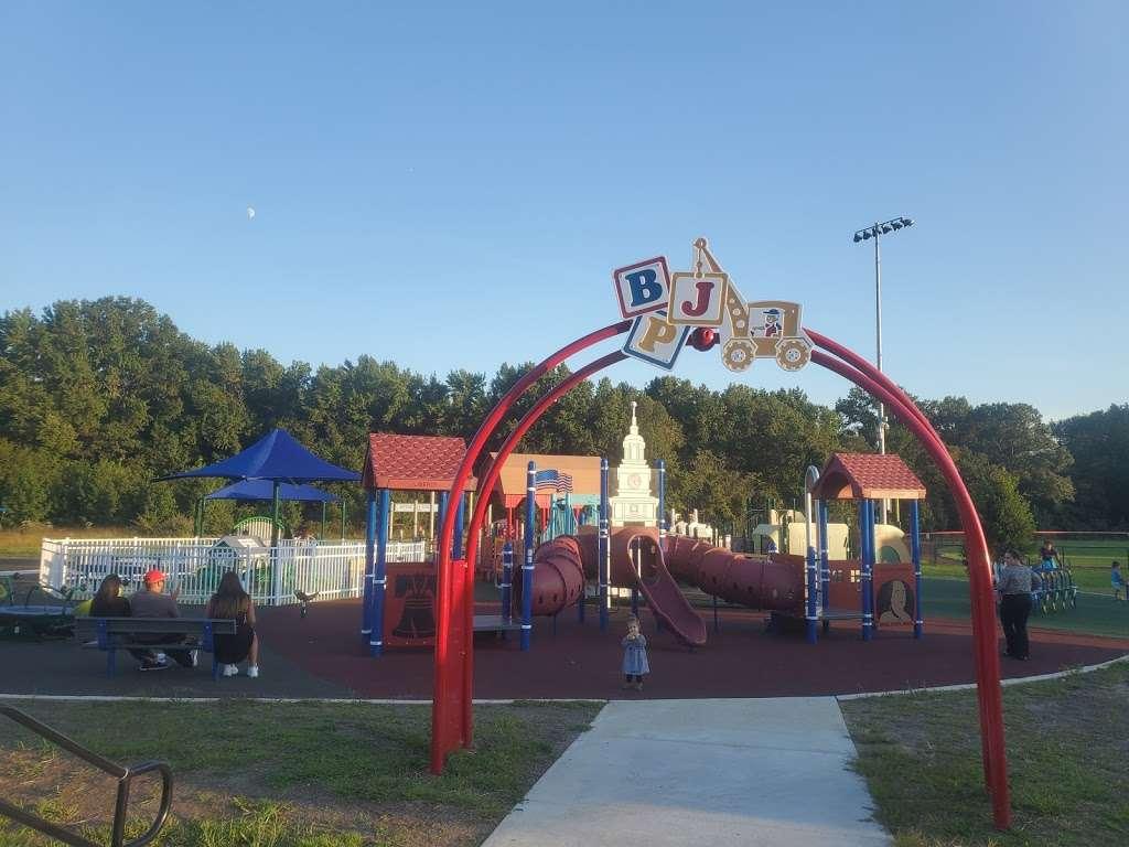 Delran Community Park - park  | Photo 6 of 10 | Address: 12 Hartford Rd, Delran, NJ 08075, USA