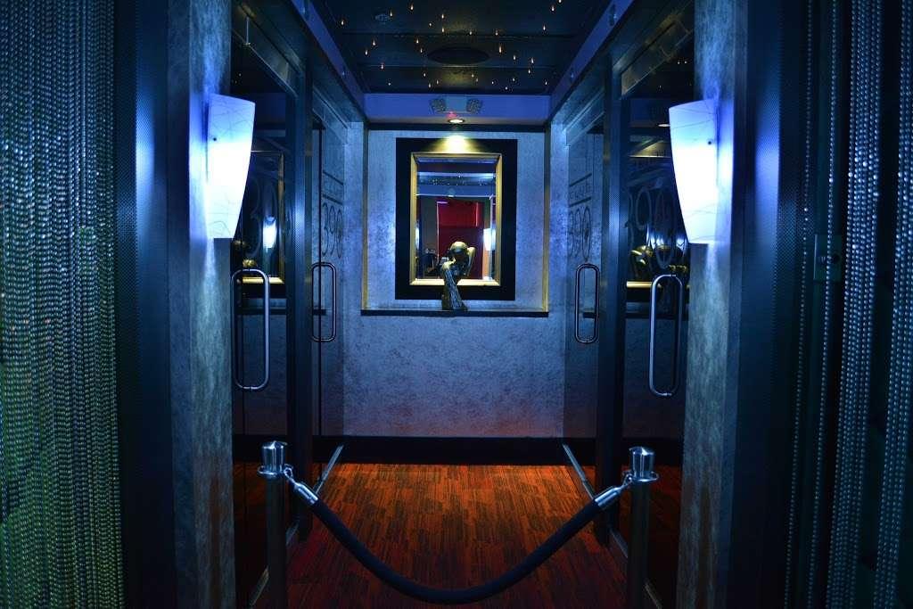 Club 390 - night club  | Photo 5 of 10 | Address: 390 E Joe Orr Rd, Chicago Heights, IL 60411, USA | Phone: (708) 758-2582