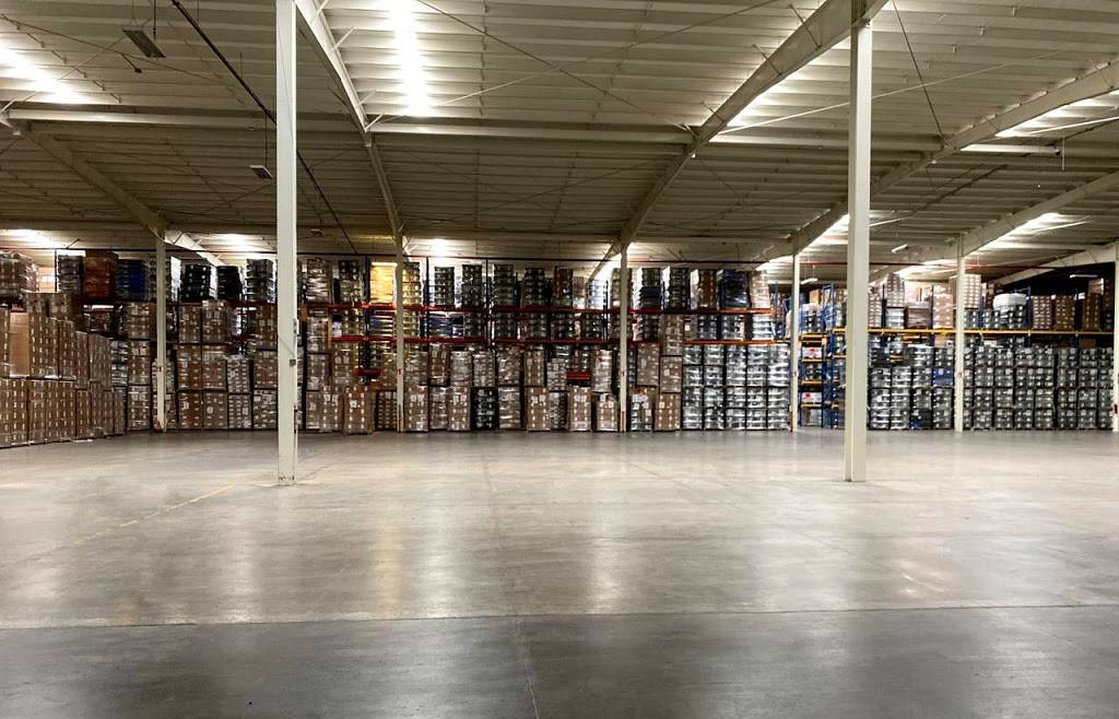 Open warehouse - storage  | Photo 2 of 2 | Address: Av, Laguna Maynar 4832, El Lago, 22210 Tijuana, B.C., Mexico | Phone: 664 199 3795