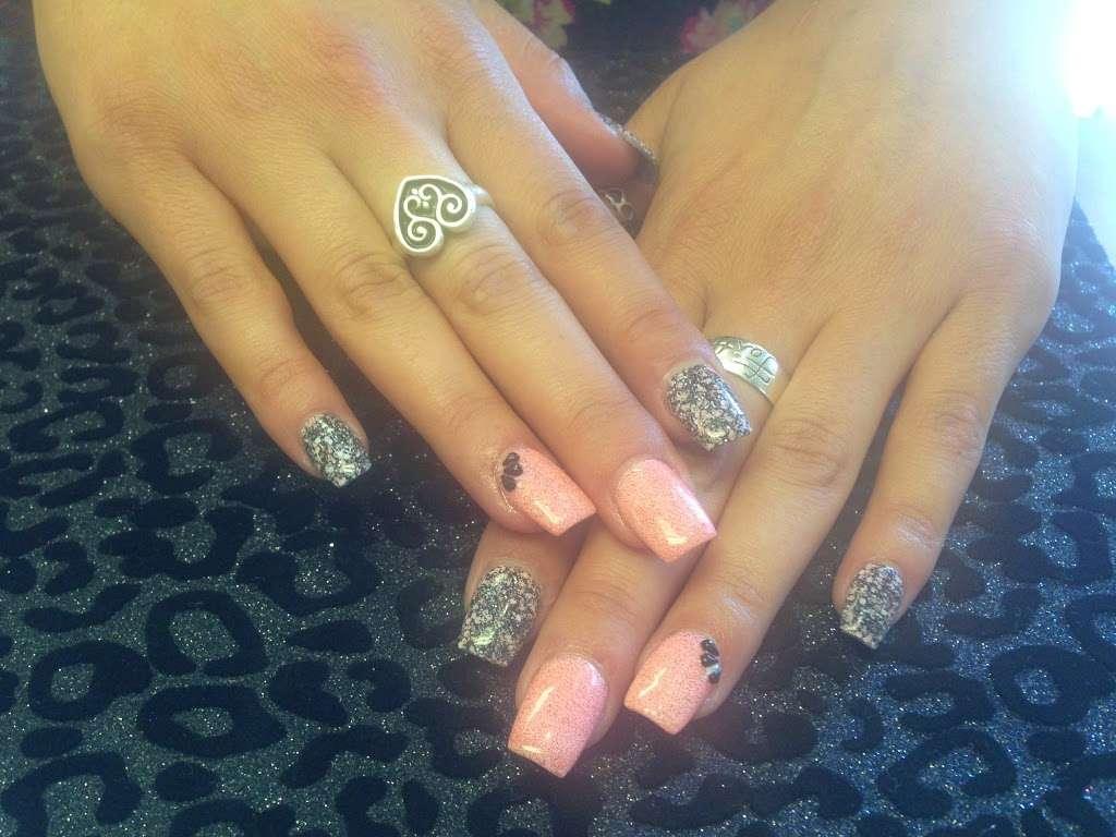 CR Nails Design - spa  | Photo 3 of 10 | Address: 20680 Westheimer Pkwy #30, Katy, TX 77450, USA | Phone: (281) 398-6245
