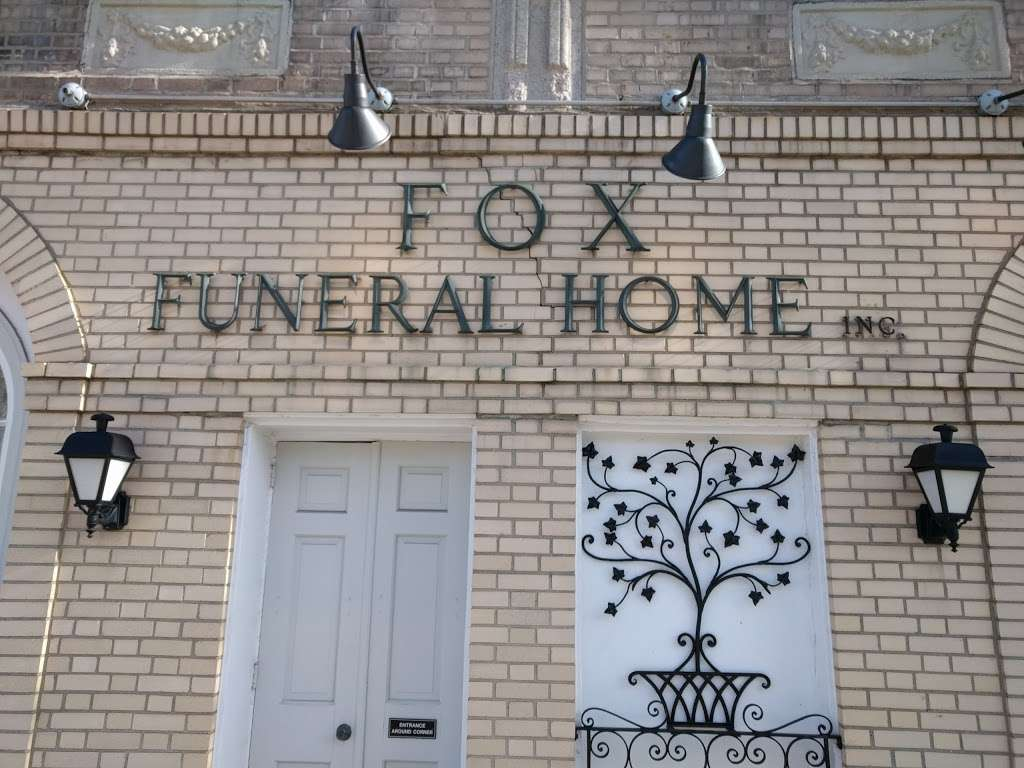Fox Funeral Home Inc - funeral home  | Photo 3 of 10 | Address: 9807 Ascan Ave, Forest Hills, NY 11375, USA | Phone: (718) 268-7711
