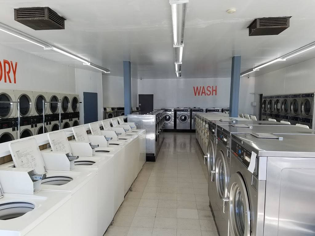 Launderland Bianchi - laundry  | Photo 6 of 10 | Address: 907 E Bianchi Rd, Stockton, CA 95207, USA | Phone: (209) 498-8370