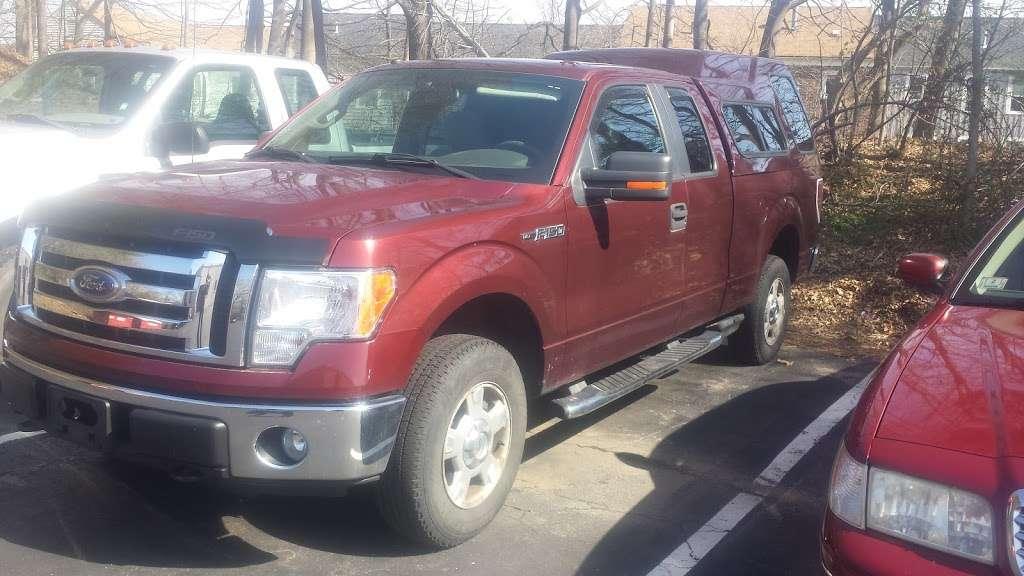 Ipswich Ford, Inc. - car repair    Photo 5 of 8   Address: 105 County Rd, Ipswich, MA 01938, USA   Phone: (978) 356-6850