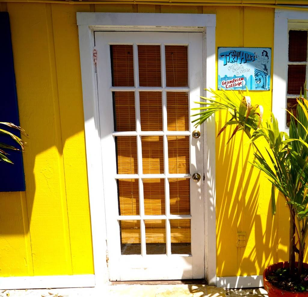 Grandview Tiki Hut Cottage - real estate agency  | Photo 6 of 7 | Address: 636 Mandalay Ave, Clearwater, FL 33767, USA | Phone: (813) 417-1218