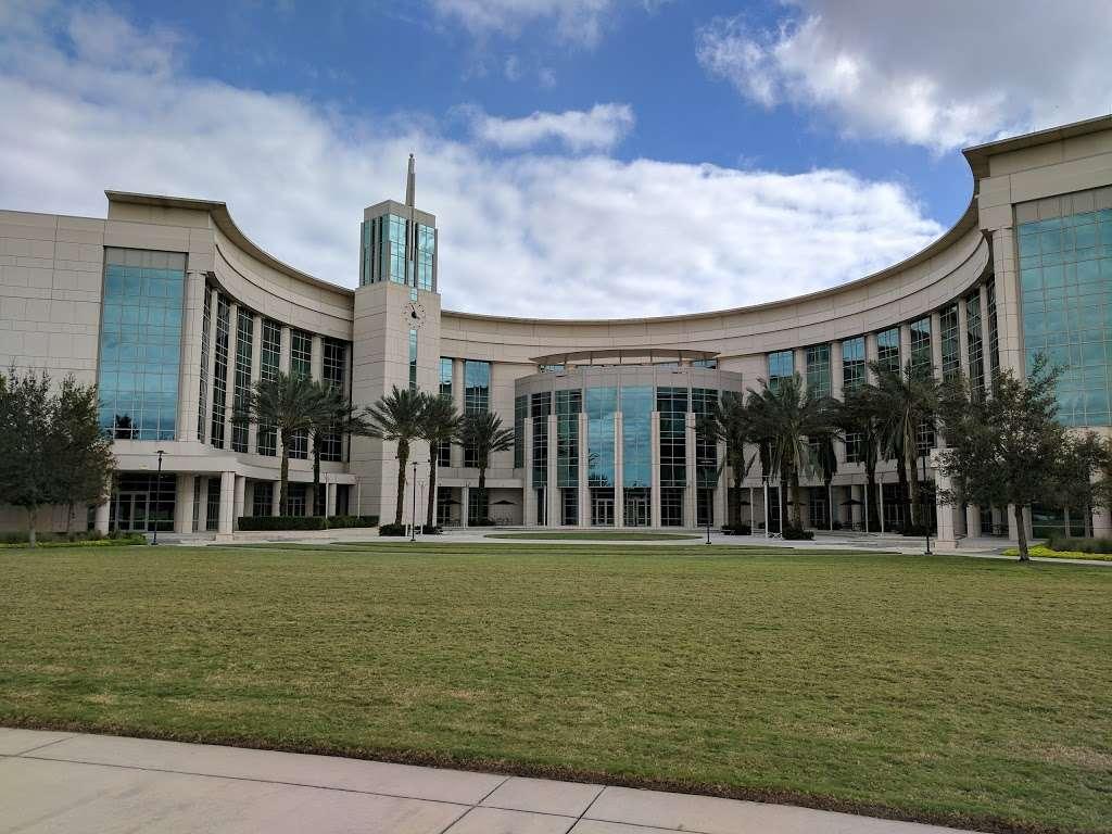 UCF College of Medicine - university  | Photo 5 of 8 | Address: 6850 Lake Nona Blvd, Orlando, FL 32827, USA | Phone: (407) 266-1000
