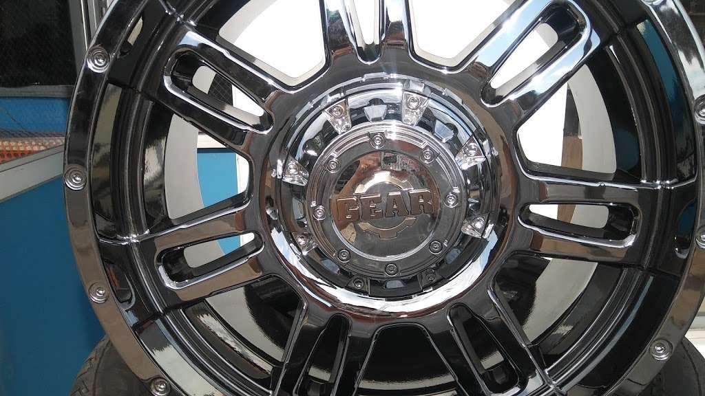 Always Reliable Tires - car repair  | Photo 4 of 8 | Address: 2120 52nd St, Kenosha, WI 53140, USA | Phone: (262) 948-3245