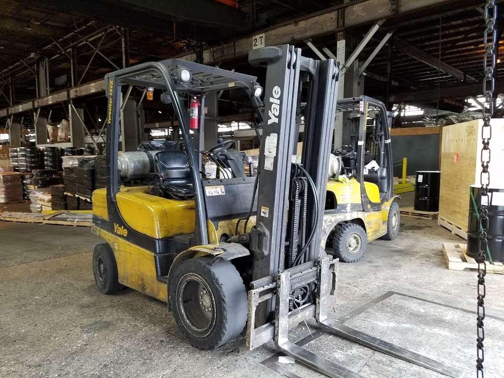 Harbor Freight Transport Corporation - moving company  | Photo 3 of 10 | Address: 301 Craneway St, Newark, NJ 07114, USA | Phone: (973) 589-6700