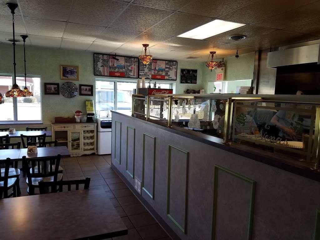 Jim and Nenas Pizzeria Hallam - restaurant  | Photo 6 of 10 | Address: 299 W Market St, Hallam, PA 17406, USA | Phone: (717) 840-6362