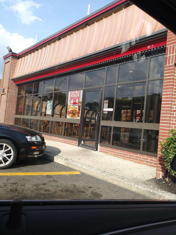 Wendys - restaurant    Photo 2 of 10   Address: 2 Main St, City of Orange, NJ 07050, USA   Phone: (973) 414-0560