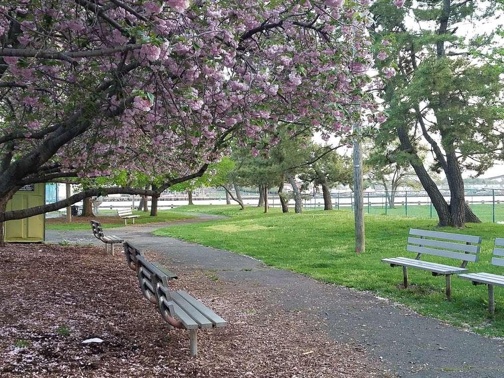 Dennis P. Collins Park - park  | Photo 7 of 10 | Address: Bayonne, NJ 07002, USA | Phone: (201) 858-6129