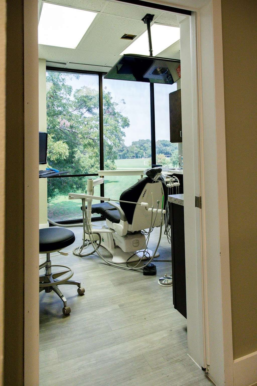 Royal Lane Dental Center - dentist  | Photo 3 of 8 | Address: 8499 Greenville Ave #210, Dallas, TX 75231, USA | Phone: (469) 904-2080