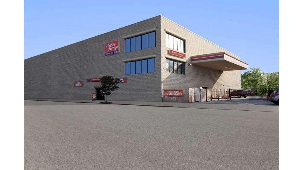 Public Storage - storage  | Photo 1 of 7 | Address: 875 Brush Ave, Bronx, NY 10465, USA | Phone: (347) 352-9538