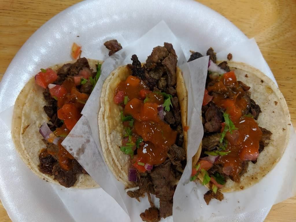 Tacos Ensenada - restaurant  | Photo 8 of 10 | Address: 6352 Florence Ave, Bell Gardens, CA 90201, USA | Phone: (562) 302-0018